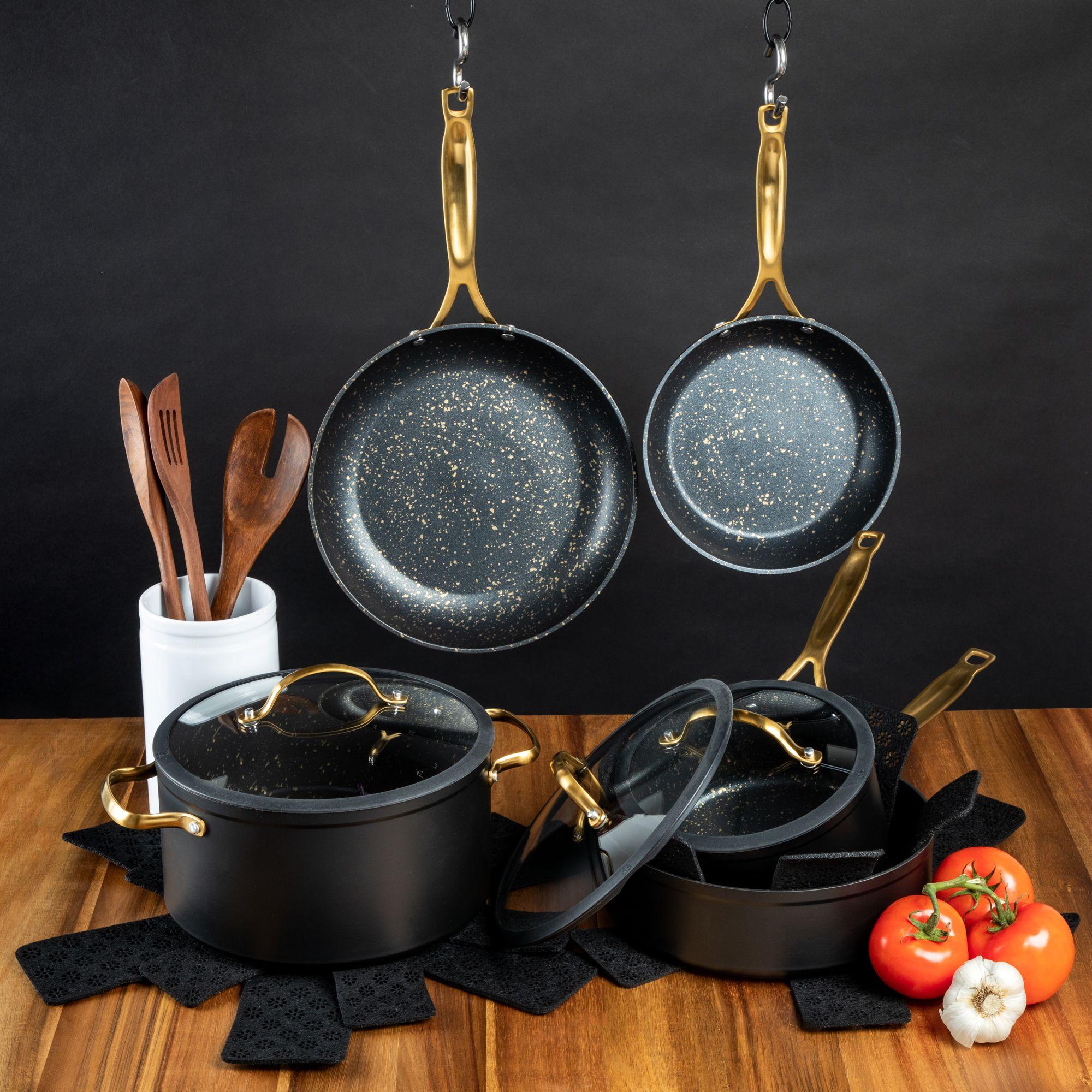 pans speckled kitchenware