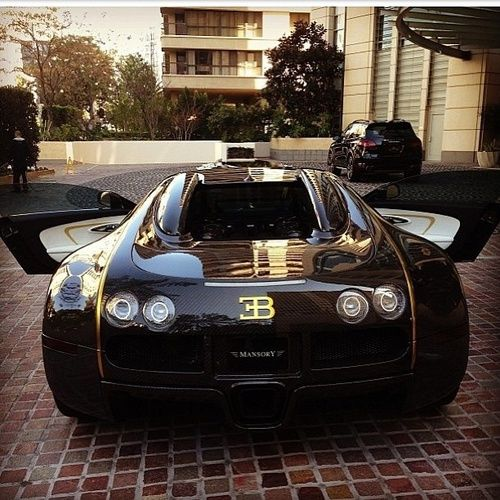 Custom Bugatti Veyron Super Rear View: Bugatti Veyron Masonry Custom