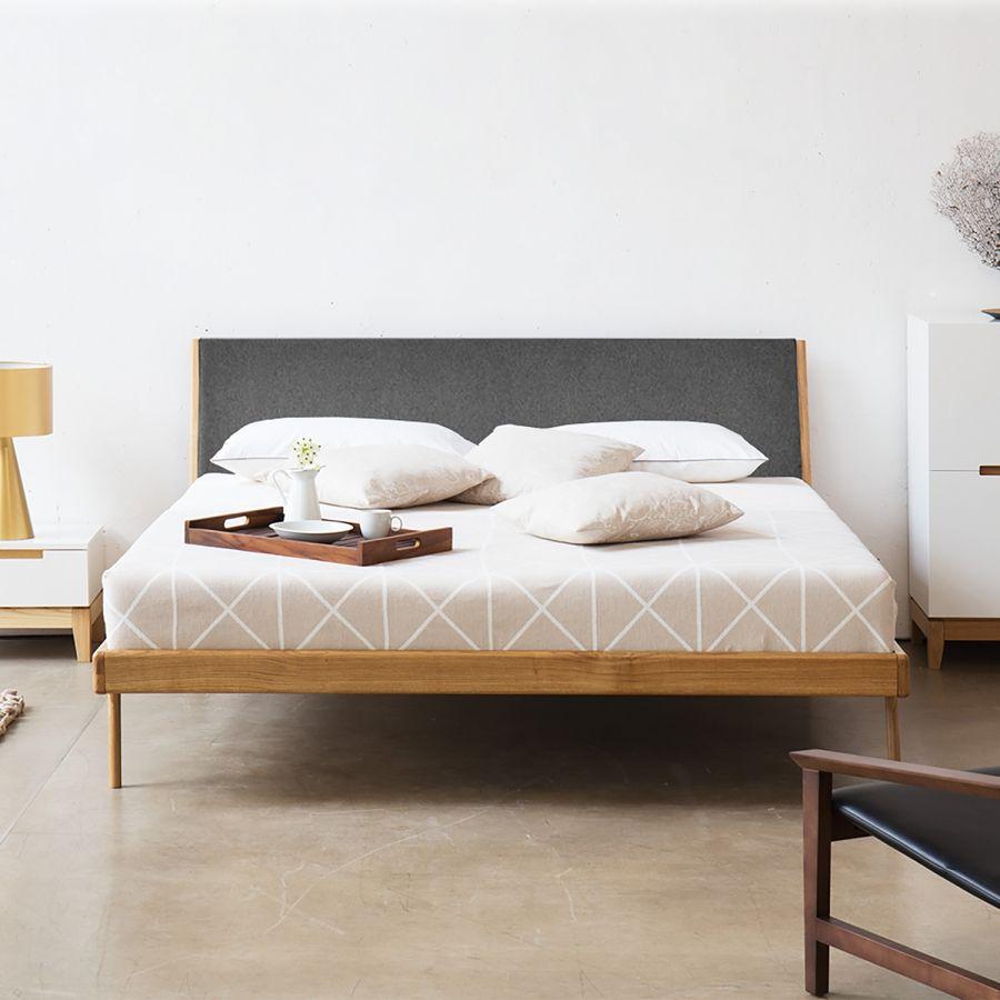 bett fawn i - eiche massiv - 160 x 200cm - eiche - stoff gaia grau, Schlafzimmer entwurf