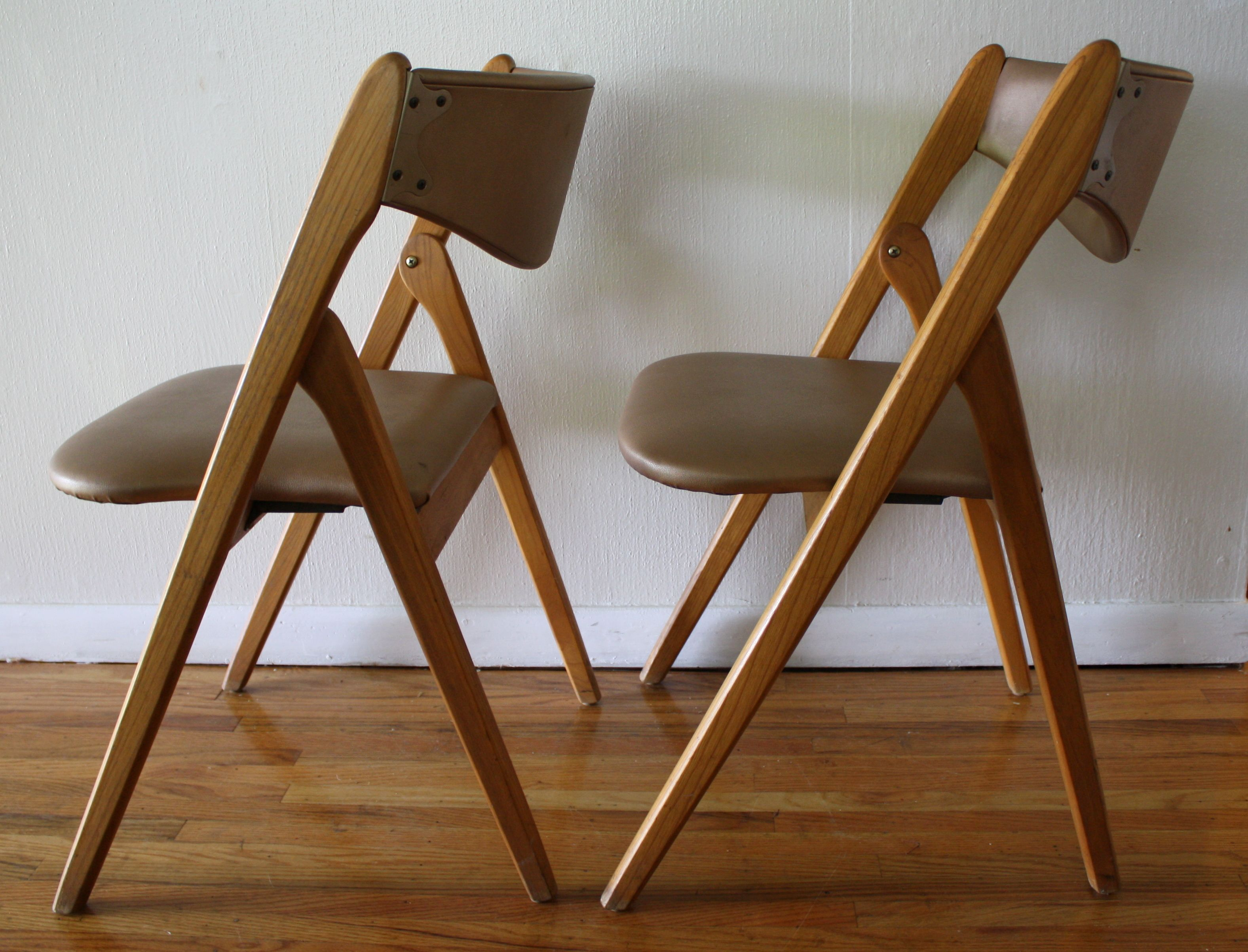 Mid Century Modern Coronet Folding Chairs This is a pair of mid