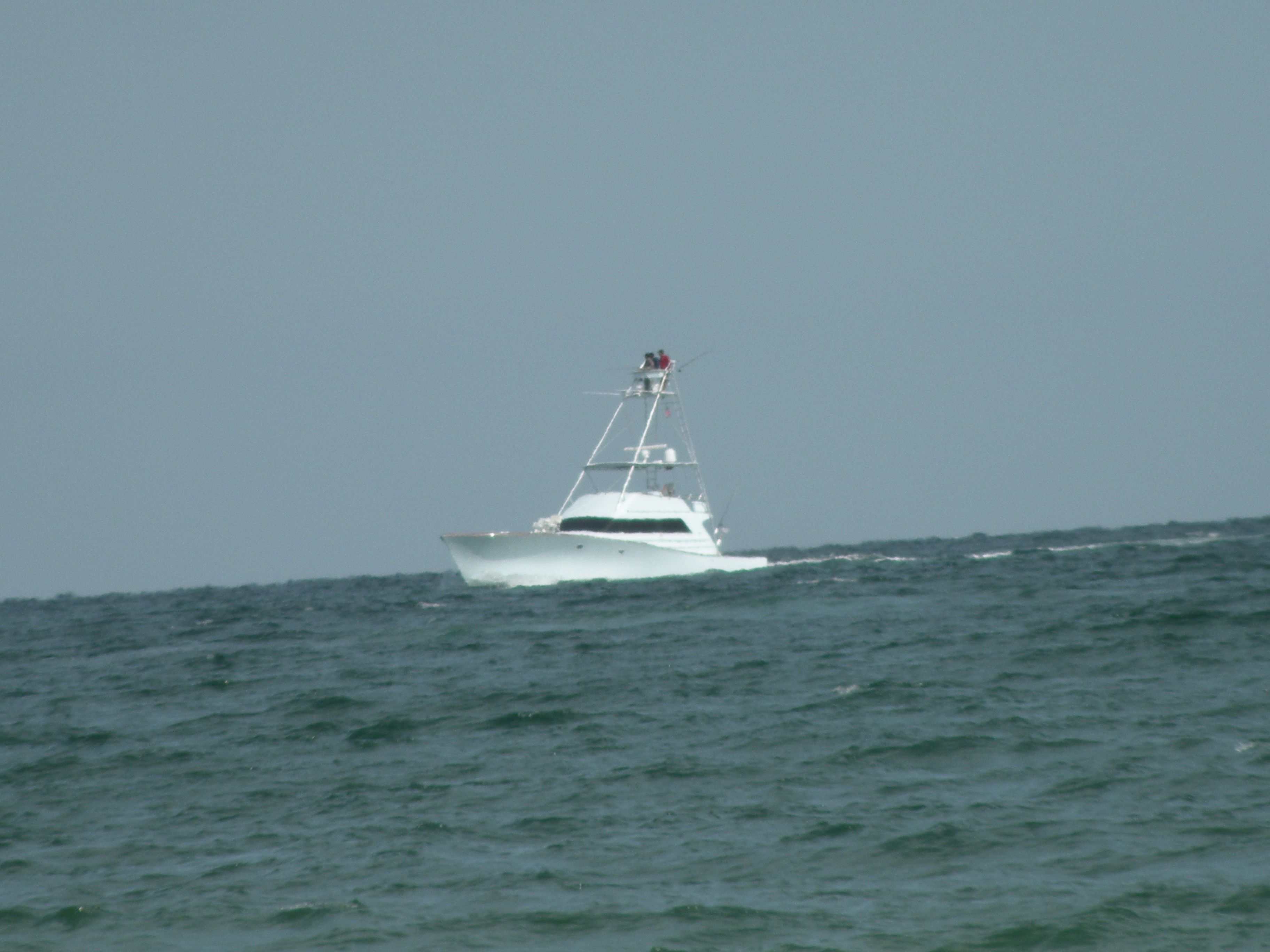 Fishing boat in the gulf of mexico gulf shores for Gulf coast fishing charters
