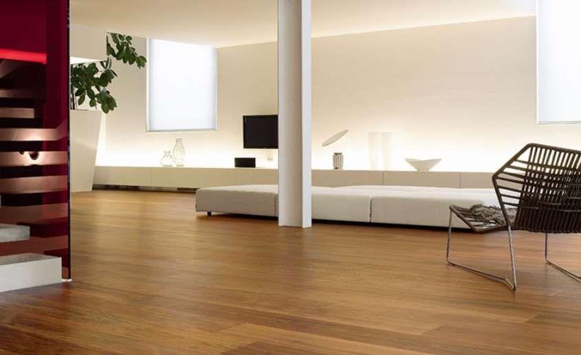 Abbinare pareti e pavimento Pavimenti in legno chiaro