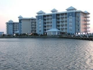 Spectacular Corner Unit Direct Waterfront Condo In Crisfield Md Crisfield Crisfield Vacation Books Corner Unit
