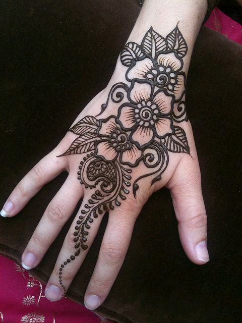 Henna Mehndi Tattoo Designs Idea For Wrist: Tatto... ♥For More You Can Follow On Insta @love_ushi OR