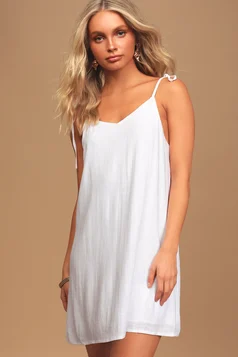 Find a Stylish College or High School Graduation Dress for Less | Cute Graduation Dresses for the Ceremony or Party #graduationdresscollege Find a Stylish College or High School Graduation Dress for Less | Cute Graduation Dresses for the Ceremony or Party