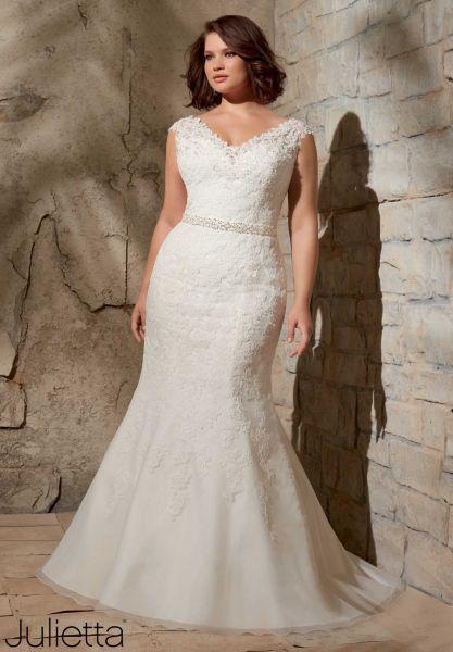 29668cf32 Los vestidos de novia perfectos para tallas extra  Presume esas curvas con  orgullo en tu boda Image  9