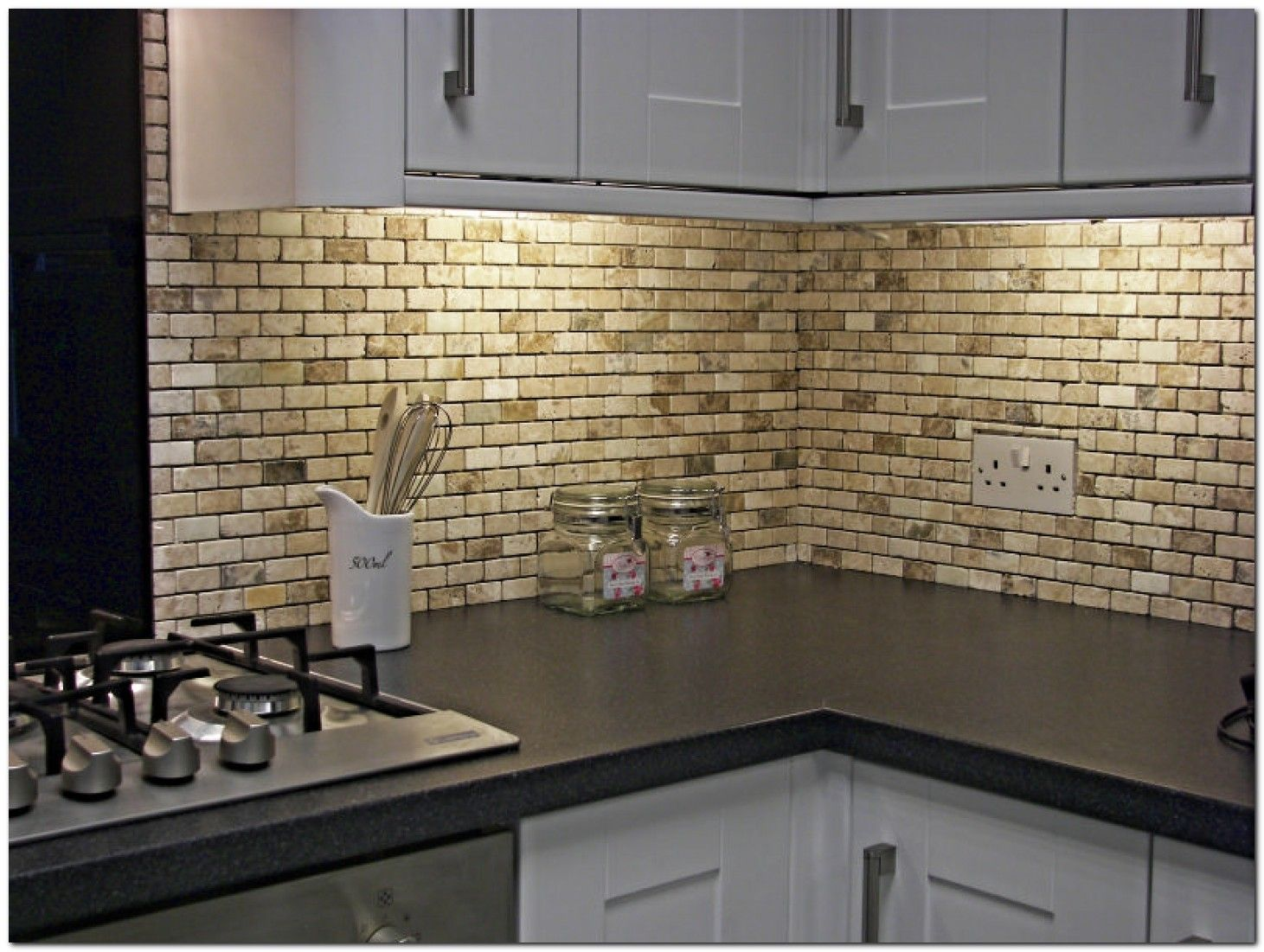 50 Simple And Beautiful Kitchen Tile Decoration Ideas The Urban Interior Kitchen Wall Design Kitchen Tiles Design Kitchen Backsplash Tile Designs