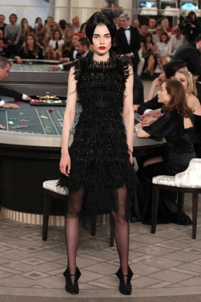 O cassino high tech de Karl Lagerfeld para a Chanel - Vogue | Desfiles