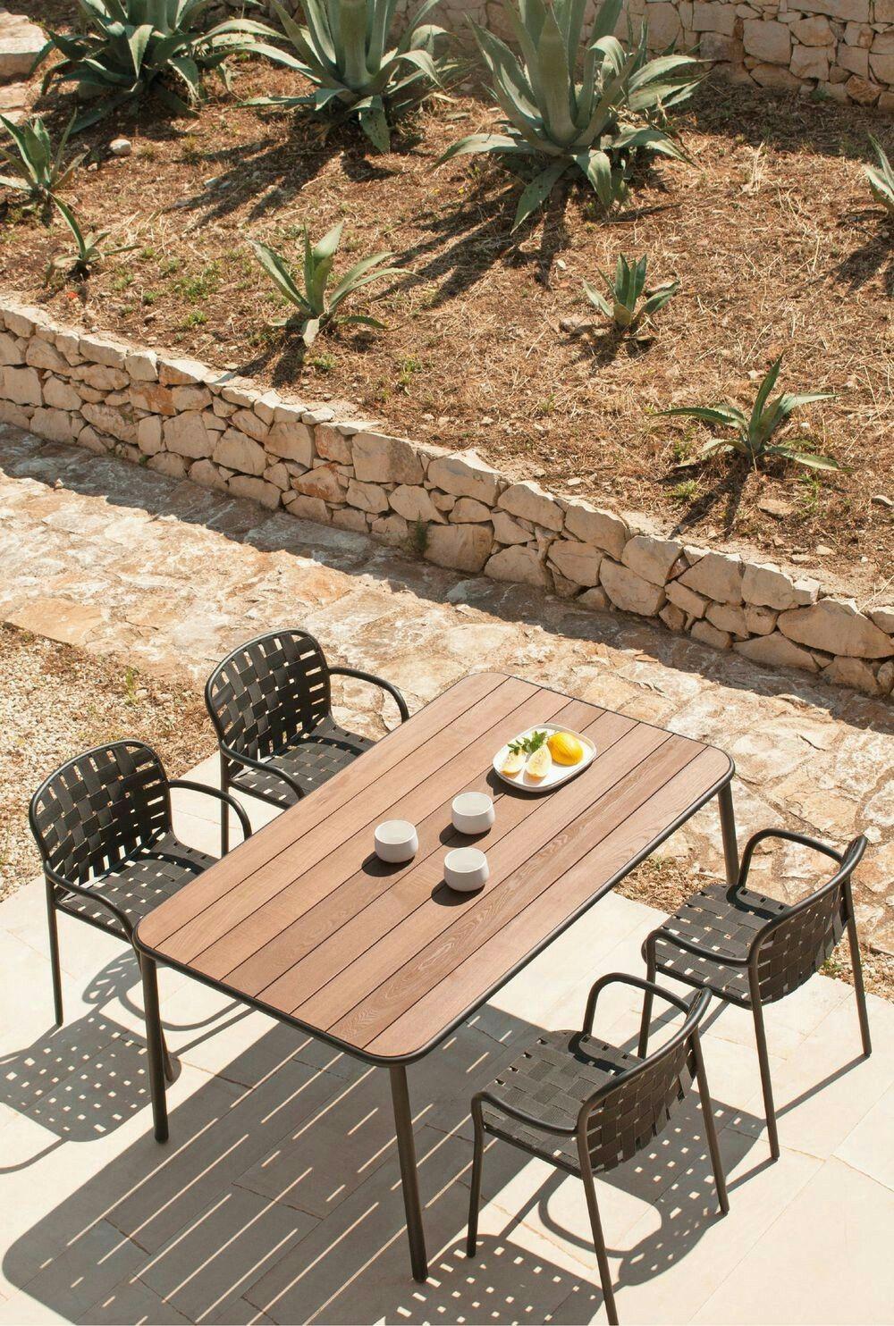 Nice Corner Cote Maison Salle A Manger Jardin Meuble Jardin Exterieur