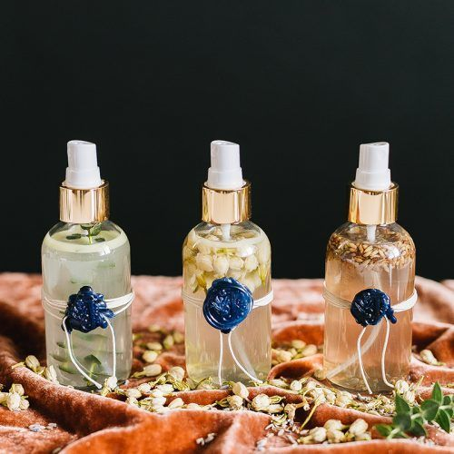 Essential Oil Room Spray DIY (Make Your Home Smell Great in 30 min - RAUMDUFT, KERZEN, POTPOU... Essential Oil Room Spray DIY (Make Your Home Smell Great in 30 min - RAUMDUFT, KERZEN, POTPOURRI, RÄUCHERN, TEELICHTOFEN