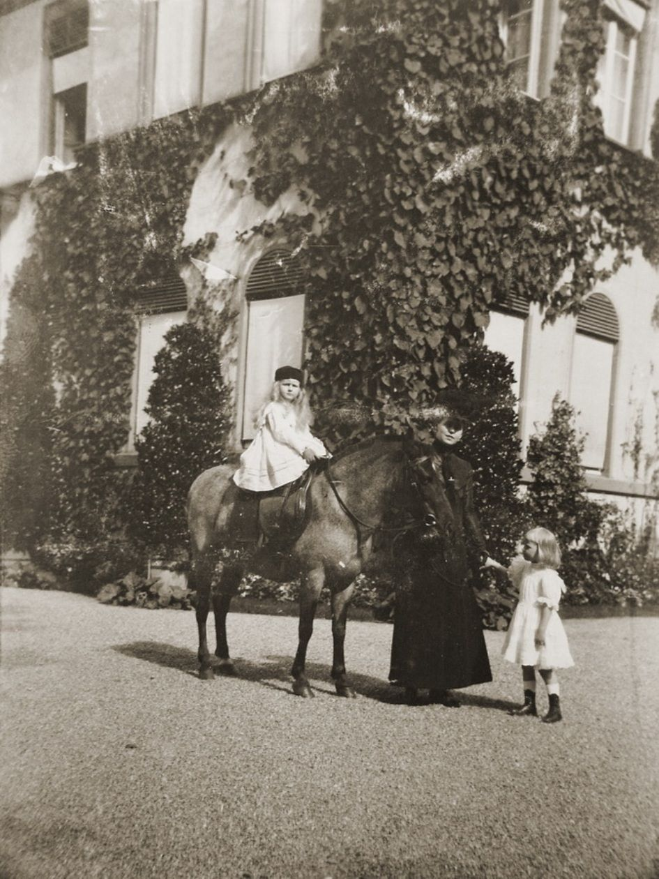 Marie with Elisabeth and Nicolae