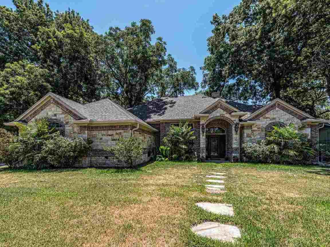 Outstanding 989 Greenwood Ln Waco Tx 76705 Houses Magnolia Realty Download Free Architecture Designs Ferenbritishbridgeorg