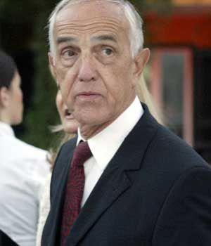 Gaston Glock baut das Glockreich um. | Celebrities from ...