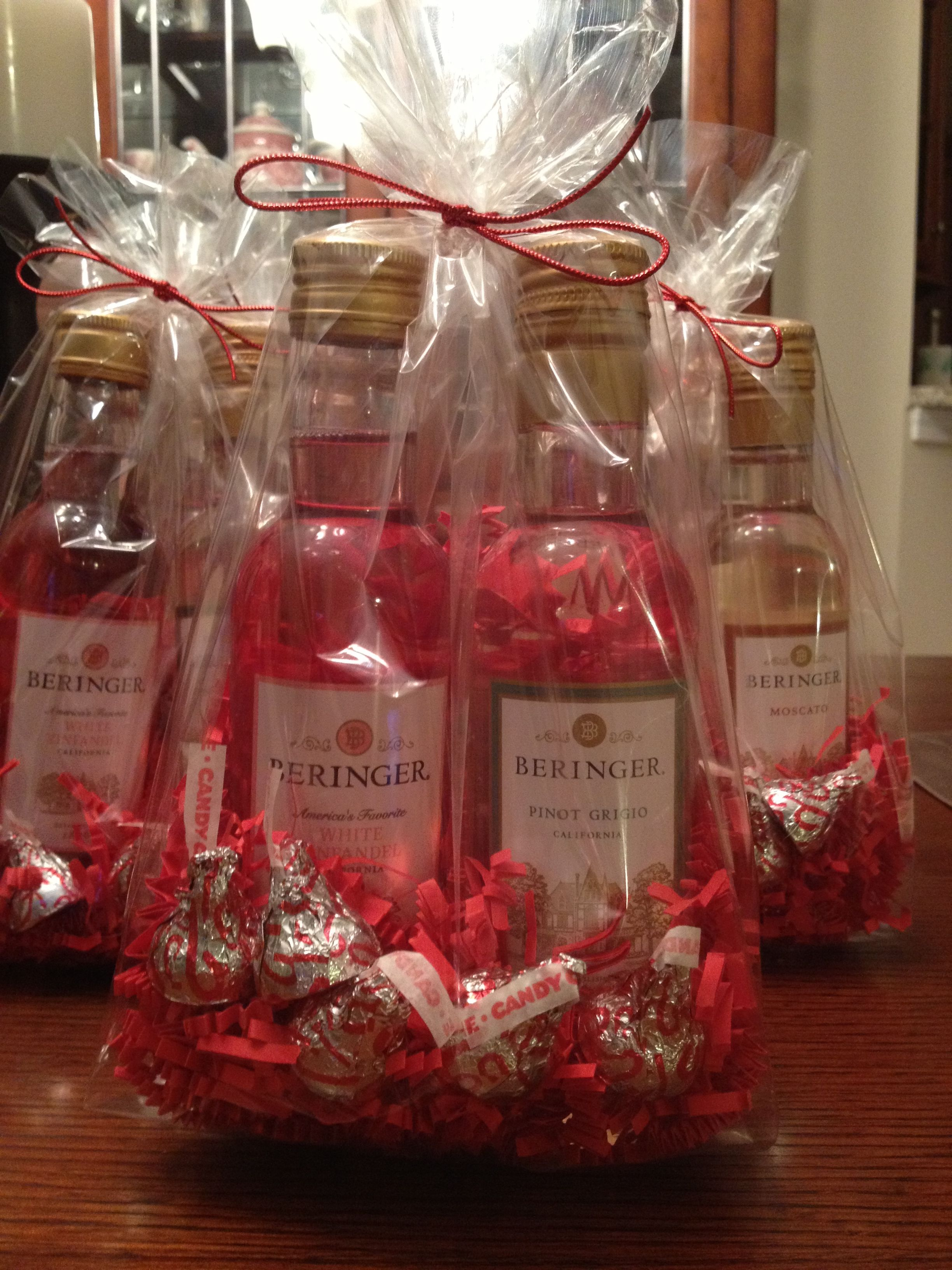 Mini Wine Bags Great Bridal Shower Idea