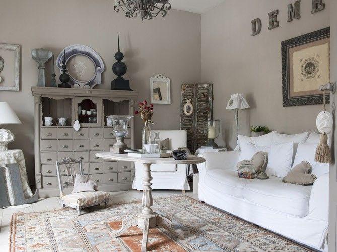 Belle Deco Salon Taupe Gris Blanc Campagne Décorations Et Salon - Idees deco salon taupe pour idees de deco de cuisine