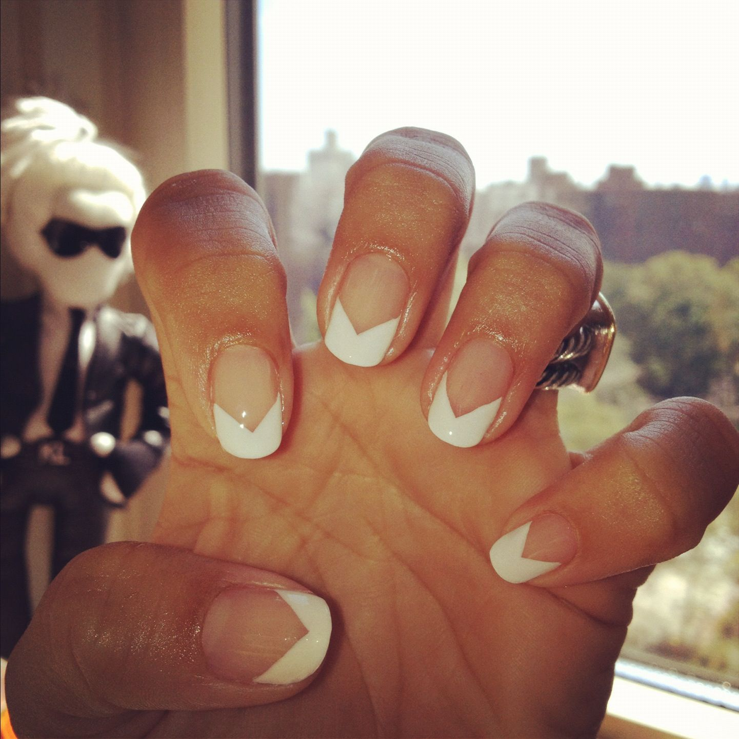 Adore these nails!!! Chevron! Manicure by Mar y Sol for Cloutier Remix