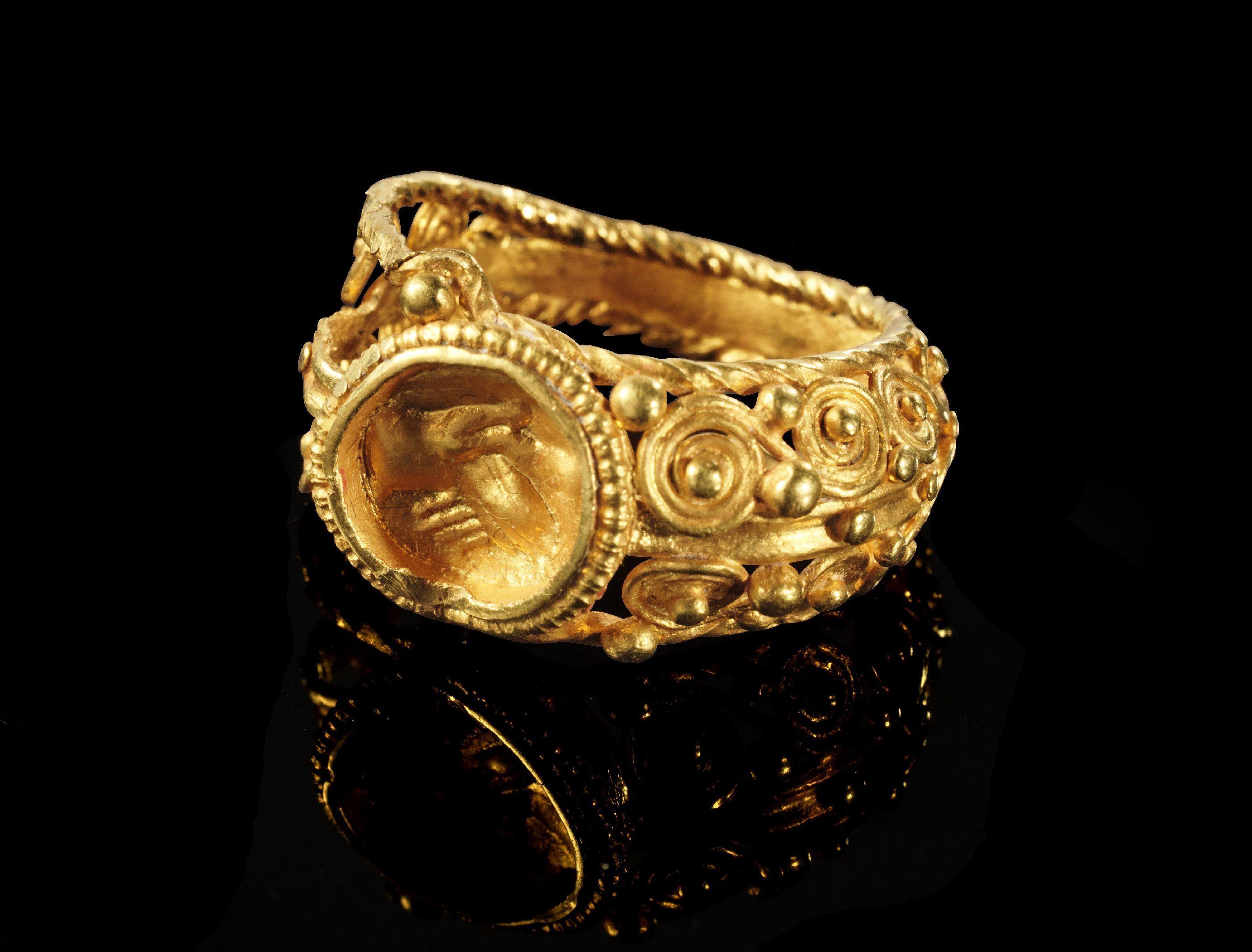 картинки золотых старинных колец что довольна нашим