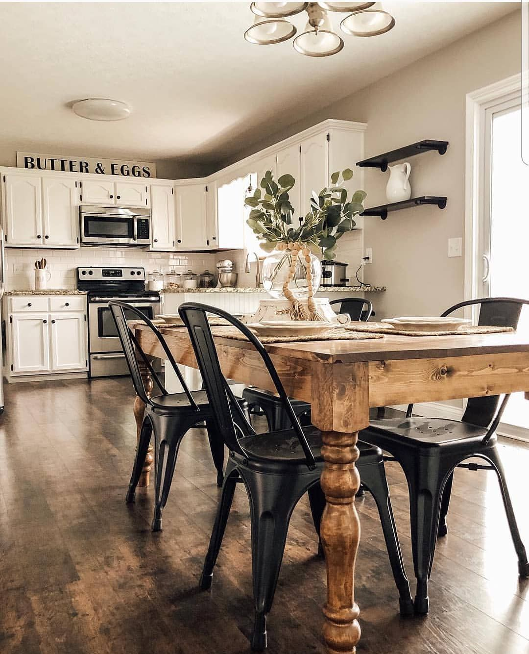 Farmhouse Lookbook On Instagram Those Black Metal Chairs Against That Wood Love Source The Loven Farmhouse Dining Room Table Dining Room Small Home Decor
