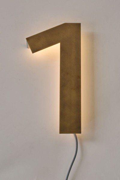 30 cm hohe hausnummer aus tombak mit led beleuchtung house numbers hausnummern hausnummern. Black Bedroom Furniture Sets. Home Design Ideas