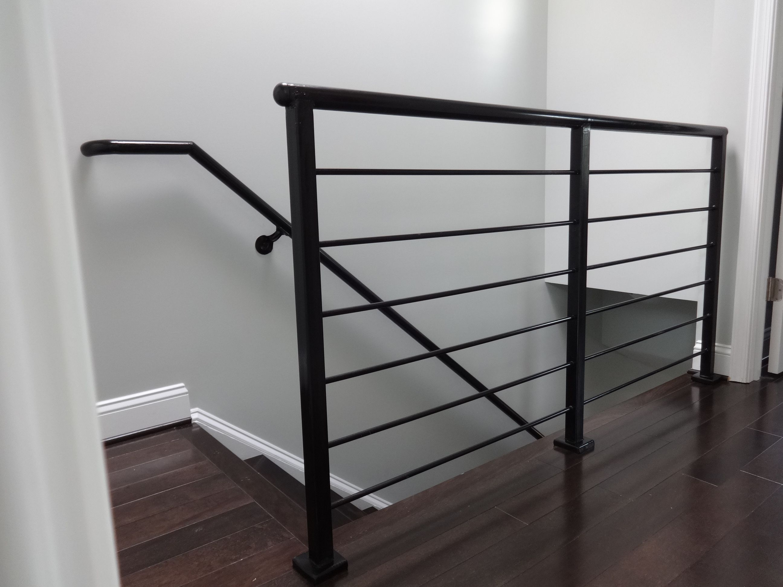 Horizontal Rail Modern Steel Handrails By Glbc
