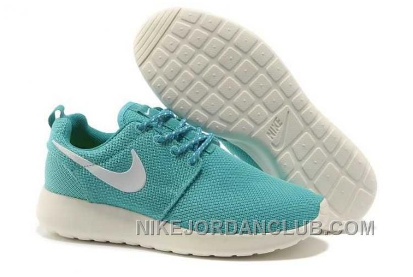 new style 4bf69 e279c Buy New Arrival Nike Roshe Run Mesh Womens Light Blue White Shoes from  Reliable New Arrival Nike Roshe Run Mesh Womens Light Blue White Shoes  suppliers.