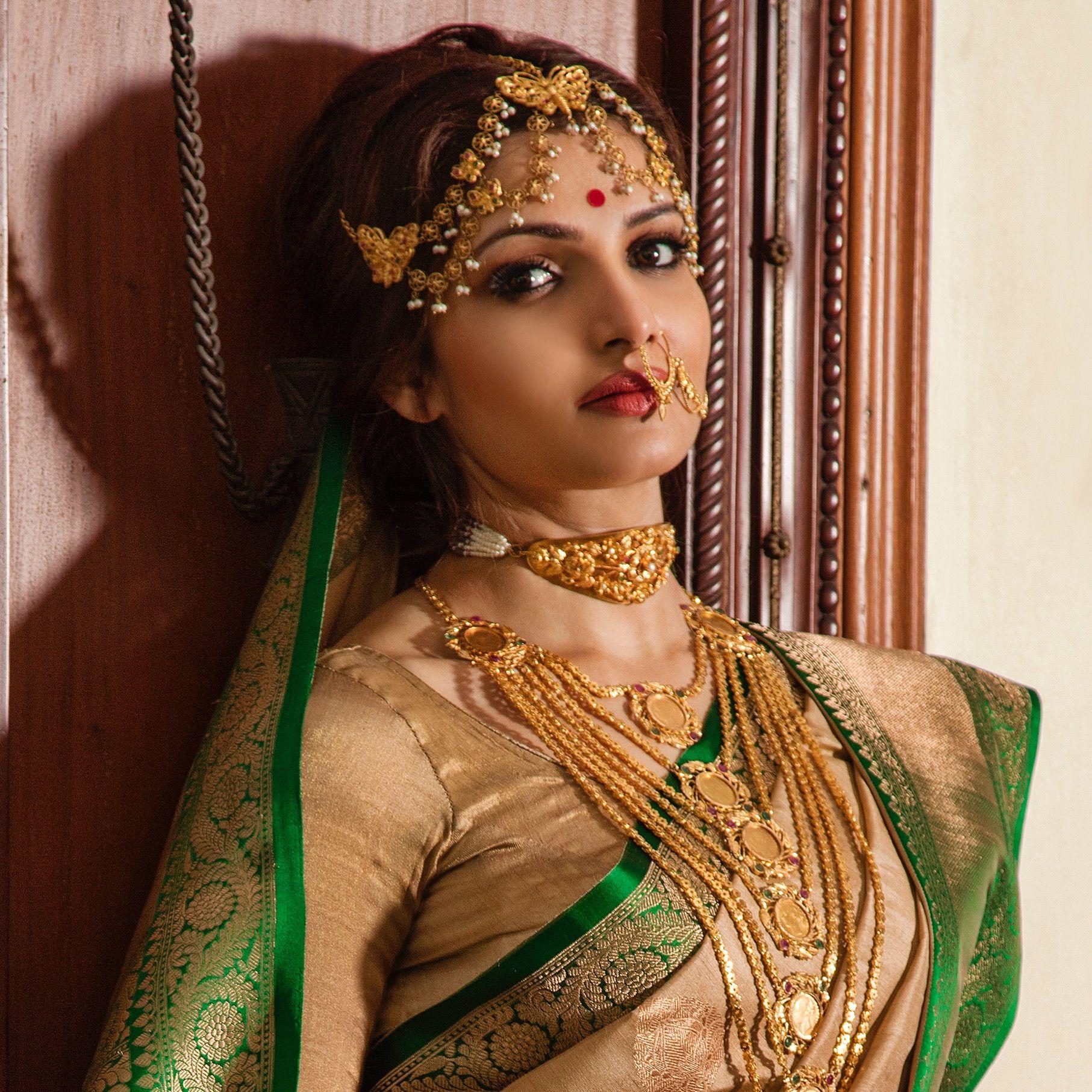 Actress Tanushree Bridal makeup Indian wedding couple
