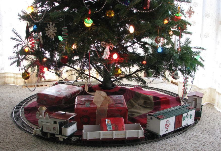 Christmas Tree Train Up?   MyLargescale.com   Forums   G Scale Forums