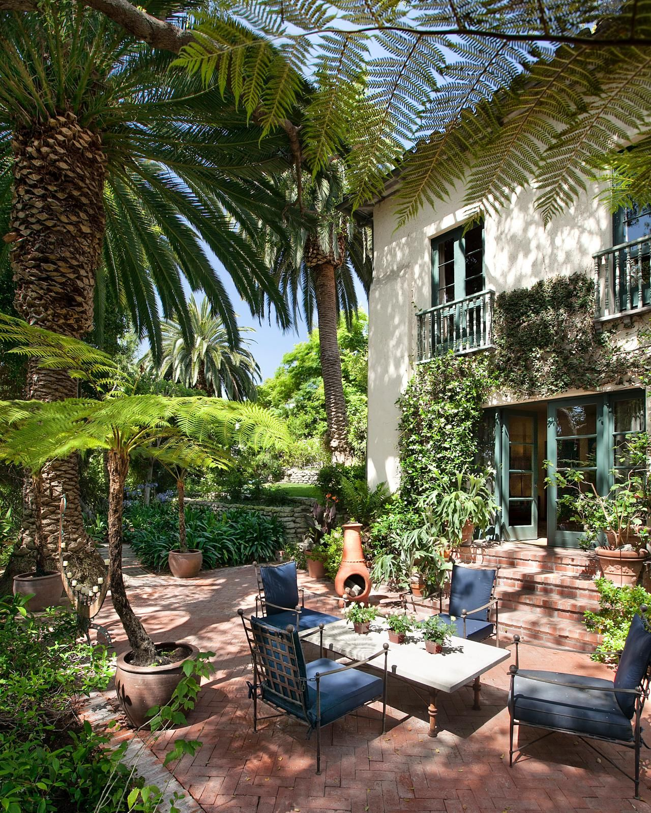 Spanish Style Homes With Courtyards: Tour A Historic Spanish Colonial Home In Los Angeles