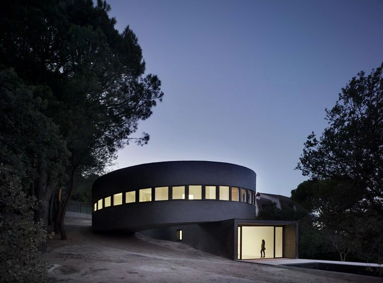 360 HOUSE in Galapagar, Madrid from SUBARQUITECTURA