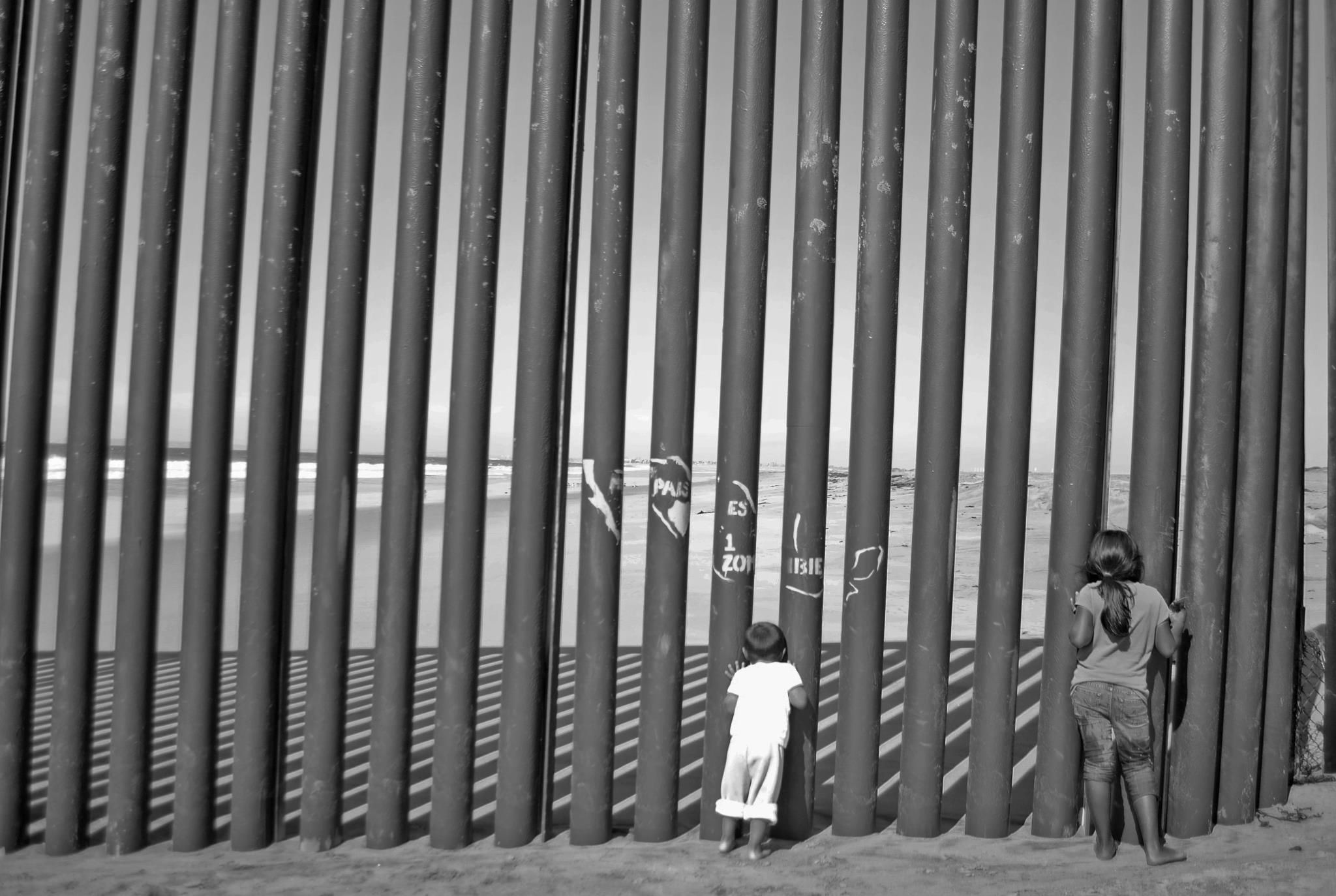 The Border Tijuana Imperial Beach Powerful Images Wall