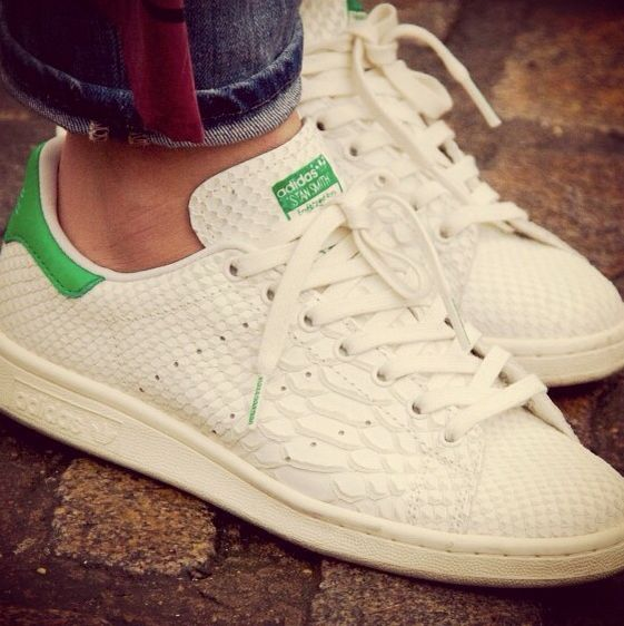 finest selection 31e45 8f613 Stan Smith croco | sneaks | Sneakers nike, Shoes, Air force ...