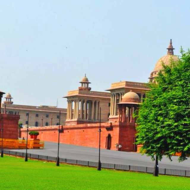 N85 Residence In New Delhi India: Parliament House, New Delhi, India.