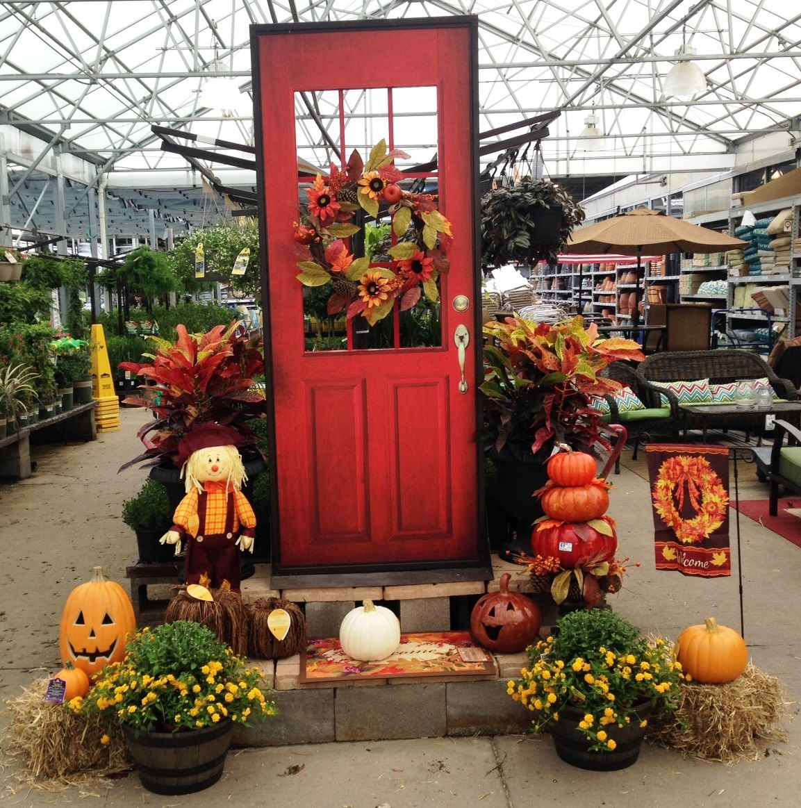 Welcome Home Door Fall Display In Rockwall, TX @lowes · Garden Center ...