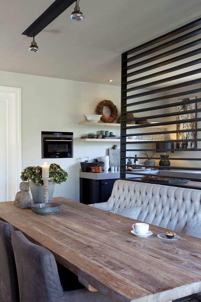 Pin van daisy de brie van overveld op woonkamer idee n pinterest scheidingswand keuken en - Hedendaagse stoelen eetkamer ...