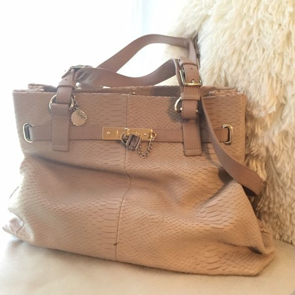 Reiss Tan Shoulder Bag Authentic Beautiful With Adjule Strap Many