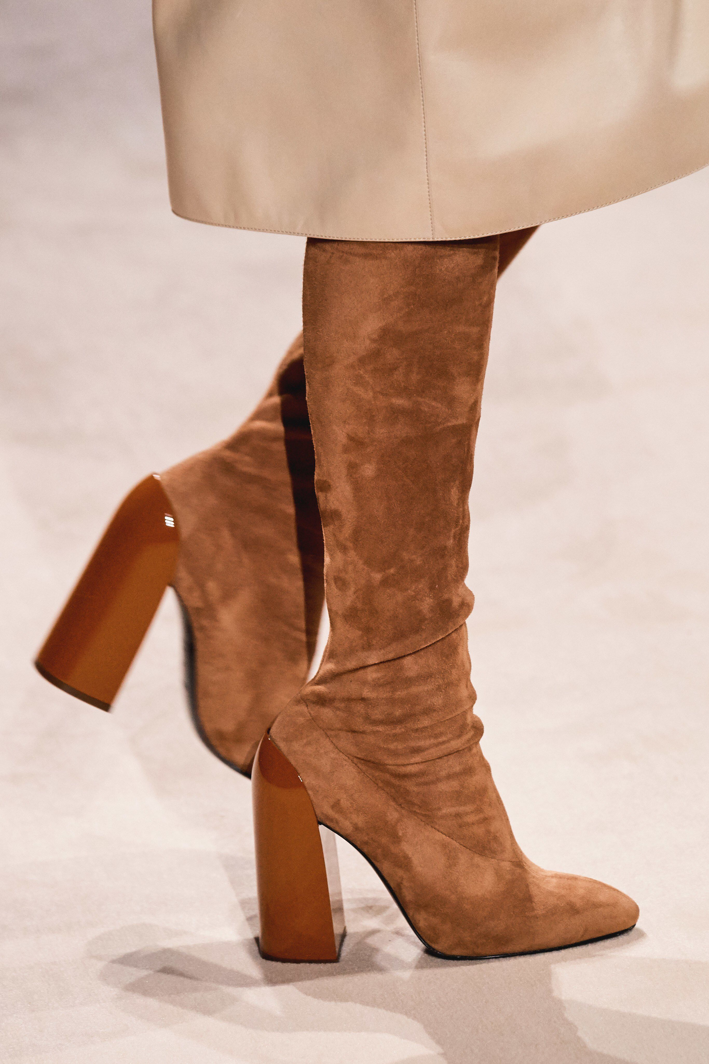 Hermes Fall 2019 Ready To Wear Fashion Show Details See Detail Photos For Hermes Fall 2019 Ready To Wear Collection Look 45 Classy Shoes Boots Women Shoes