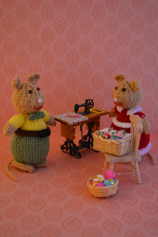 Original knitting pattern from - http://edithgrace.blogspot.co.uk/