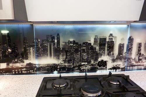 credence verre fond de hotte cuisine cuisine décoration  conseils - pose d une hotte decorative