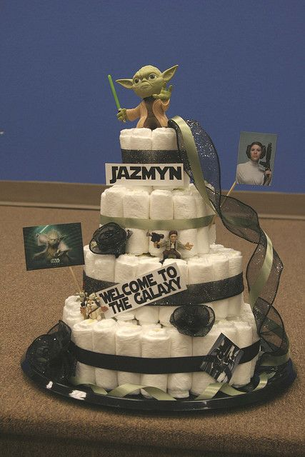 Baby Shower Gift Ideas ~ Star Wars Diaper Cake   Iu0027m Sorta Glad And A  Little Sad That This Didnu0027t Even Occur To Me. It Would Have Made Chris SOOO  Happy.