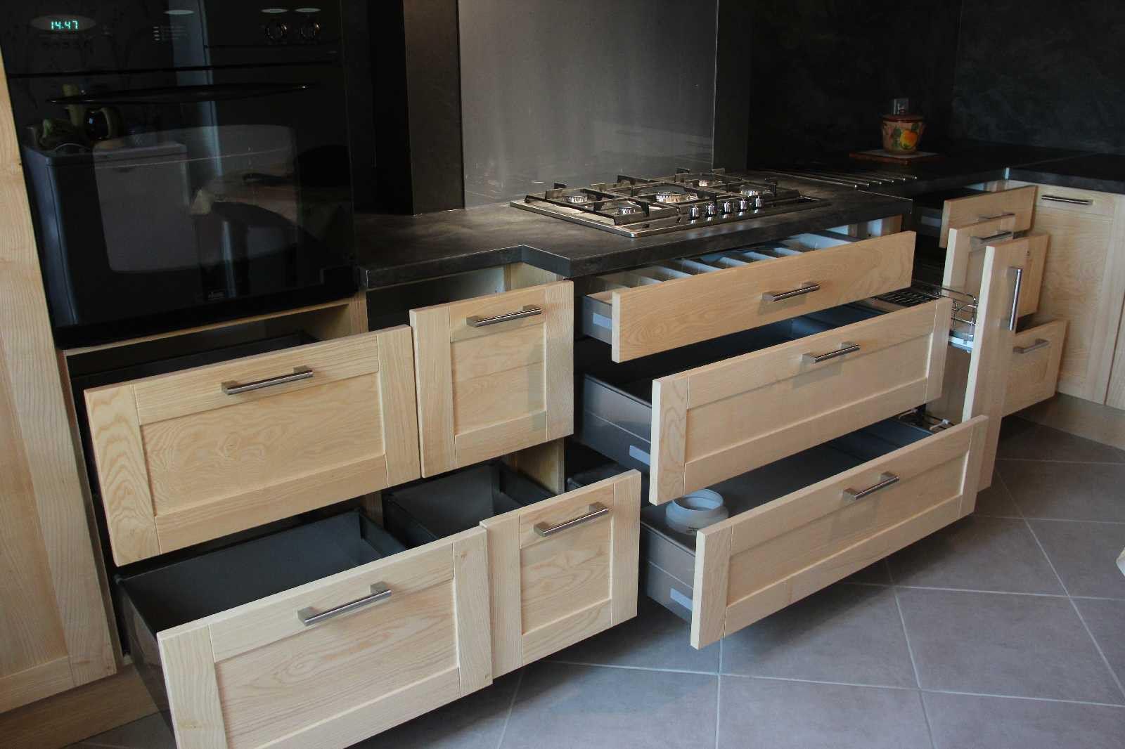 Cuisine en frêne blanc massif | cuisine | Kitchen Cabinets, Kitchen ...
