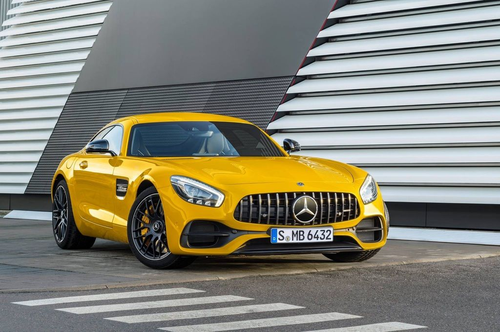 2018 Mercedes Benz AMG GT S in AMG Solarbeam Yellow Metallic | Autos