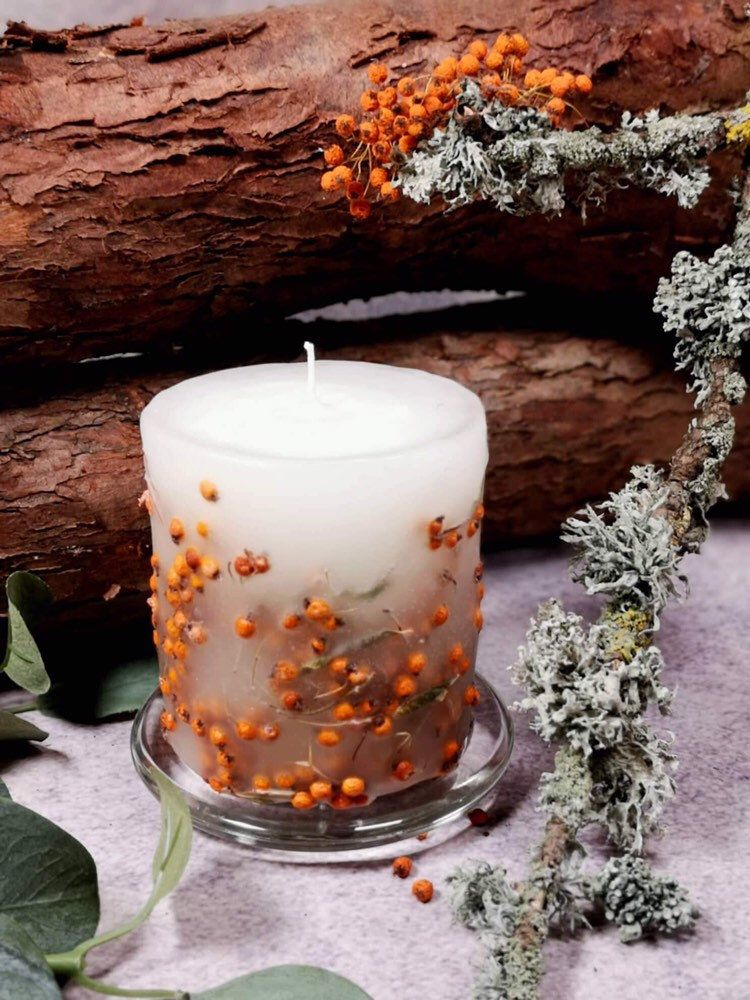 Botanical candle with berries gift for nature lovers