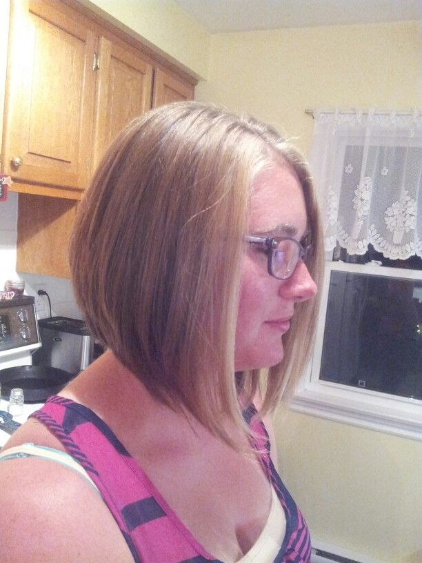 Inverted Bob Hairstyle With A Gradual Slope Inverted Bob Hairstyles Hair Styles Bob Hairstyles