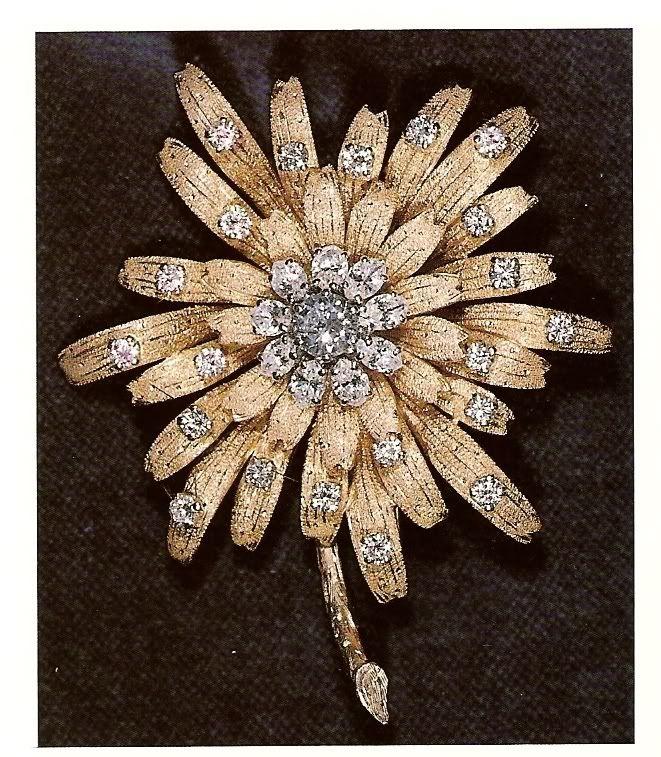 [Queen Elizabeth II] Frosted Sunflower Brooch/Gold Dahlia Brooch