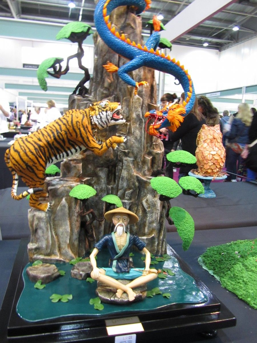 Dragon And Tiger Cake By Terry Tang Designer Cakes