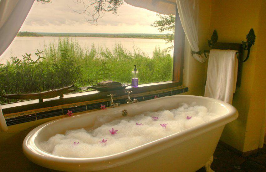romantic bath.... <3