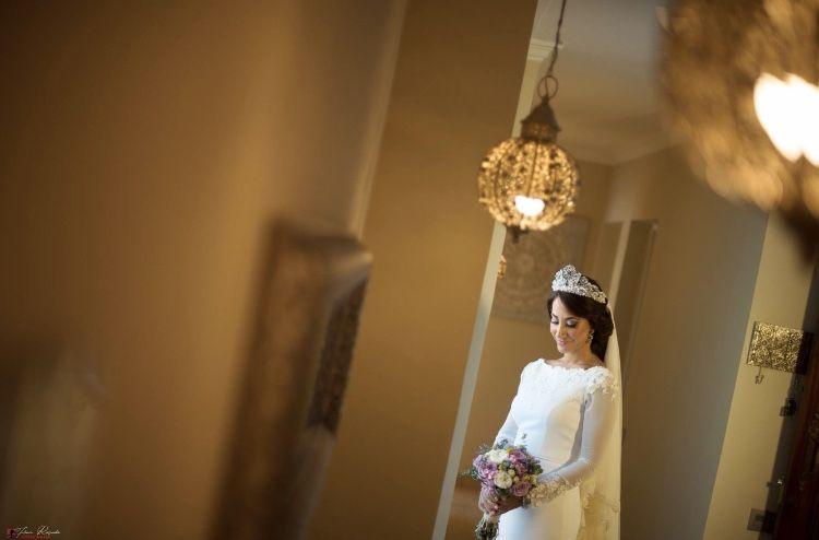 Tenéis que darme la razón. Nuestras #lovers son de otra galaxia. Y aquí, simplemente, Susana.♥️  •Reserva ya tu fecha• +info: hola@lovebodasyeventos.com  LOVE Fotografía: @franrosado7602  #love #amor #wedding #weddingdress #vmb #weddingplanner #puntulina #weddingday #weddingphotography #boda #decor #handmade #Cádiz #Jerez #inspiration #fashion #travelling #travel #music #musica #rock #party #blog #blogger