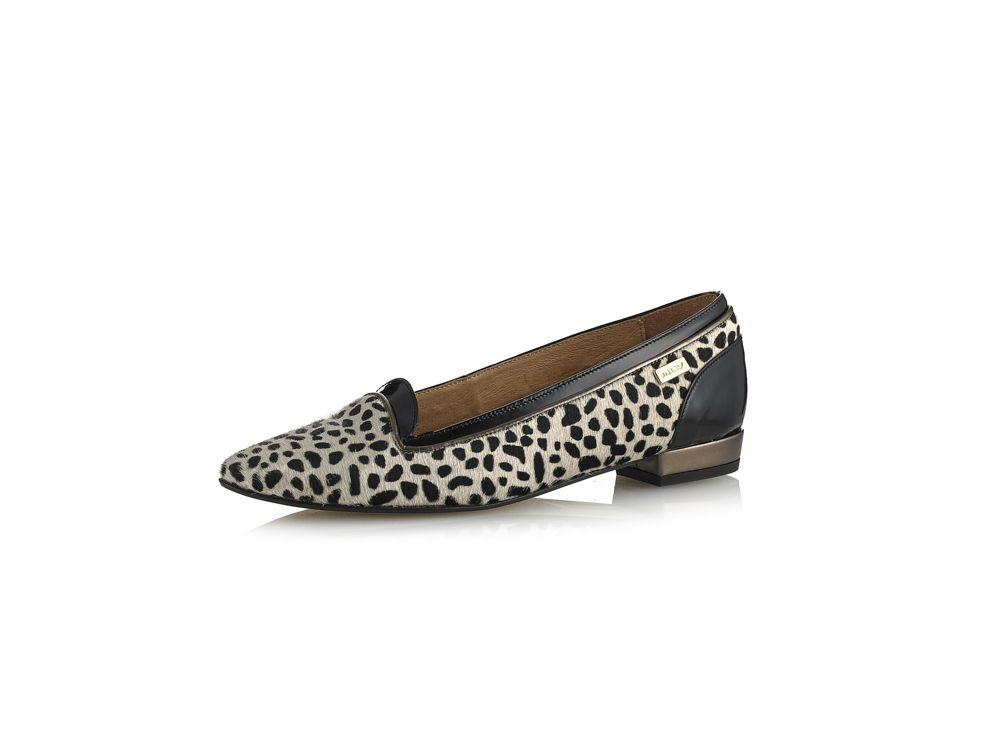 aa29b0b7c Sapato em camurça gravada e verniz com salto raso - Colecção Sapatos salto raso  Senhora Outono   Inverno 2015-2016