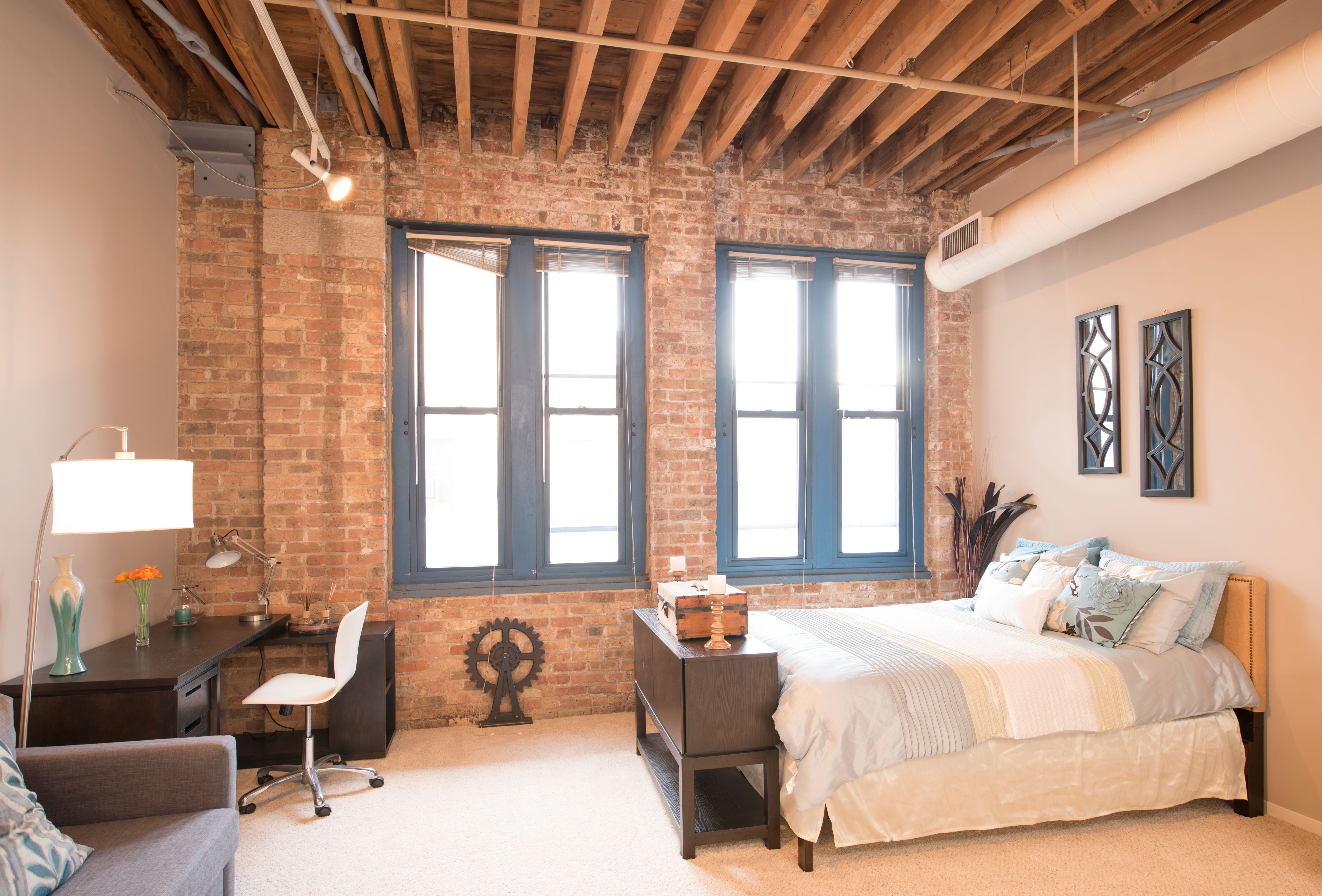 Cobbler Square Loft Apartments For Rent Chicago Brick Wall Bedroom Loft Apartment Brick Apartments