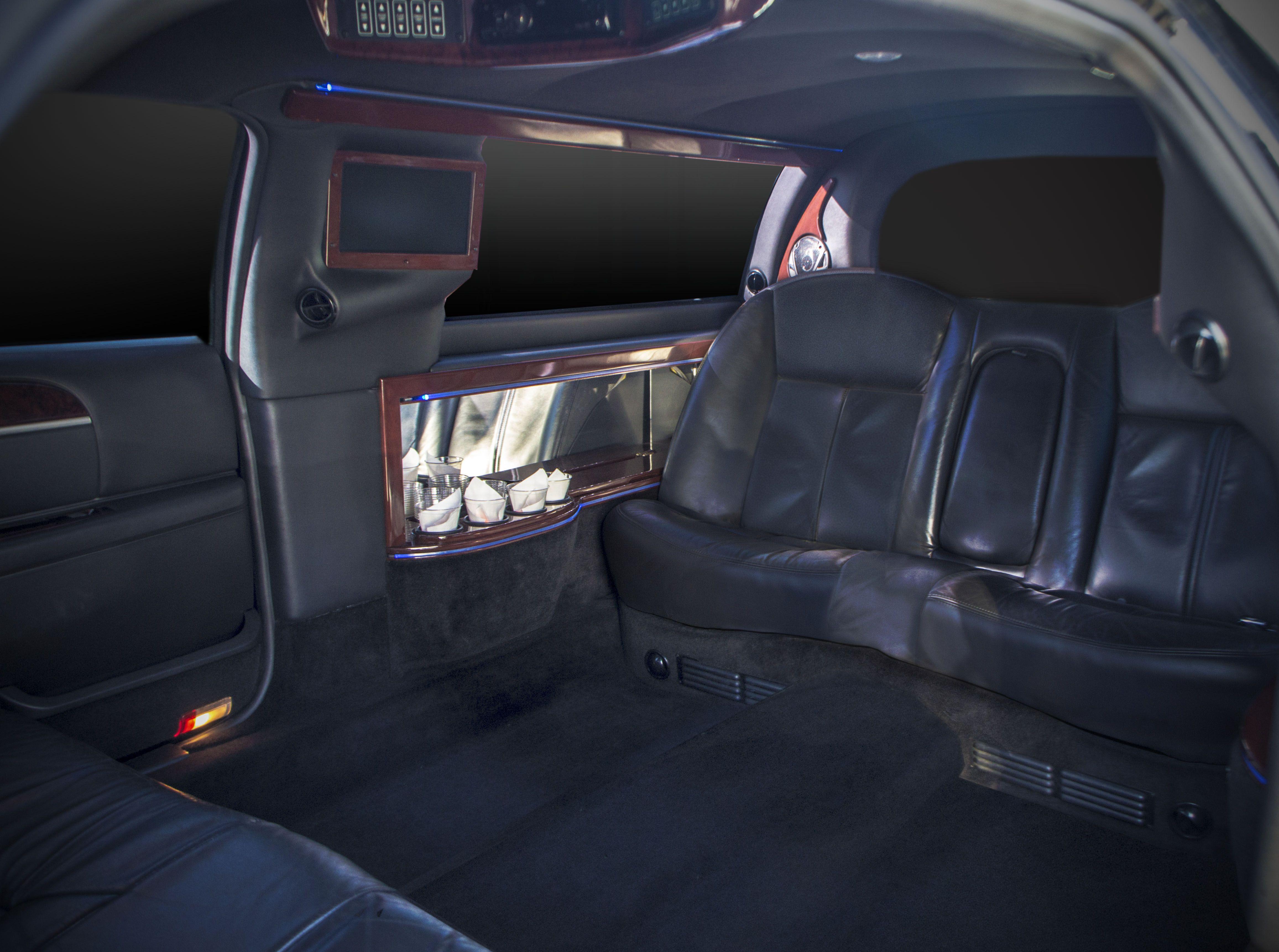 Car interior entertainment - Stretch Limousine Seats 6 Passengers Black Exterior Interior Two Tvs Entertainment Center